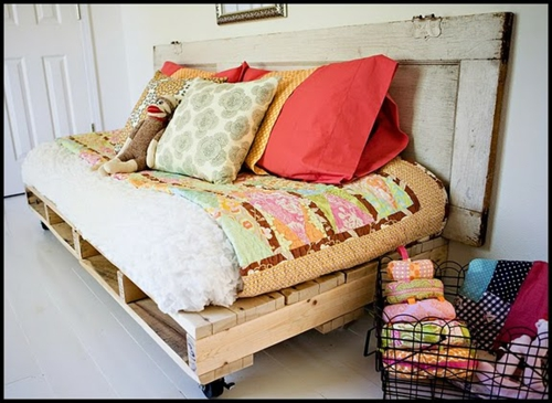 pillow cases Cool furniture made of Euro pallets DIY craft ideas