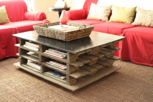 Cool furniture craft ideas coffee table storage space Euro pallets DIY