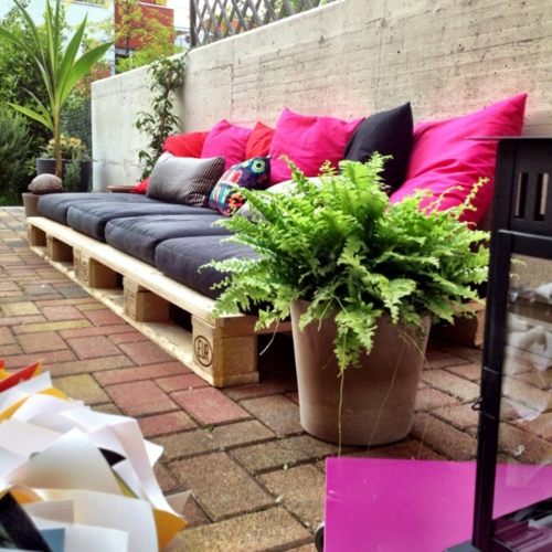 Cool furniture DIY craft ideas cushion pads Euro pallets