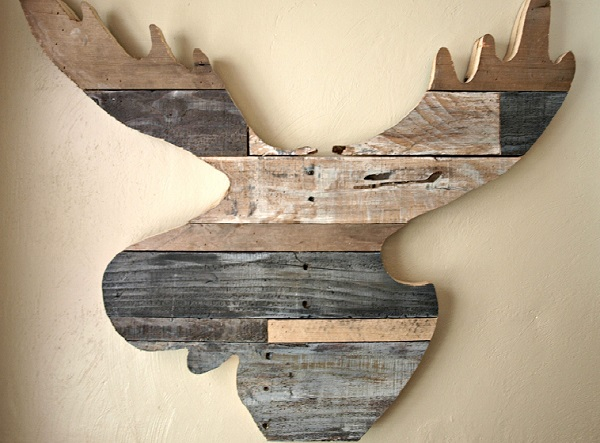 DIY decoration ideas from reclaimed wood moose silhouette