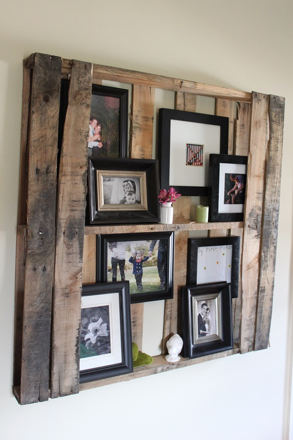 DIY decoration ideas from reclaimed wood palette family photos