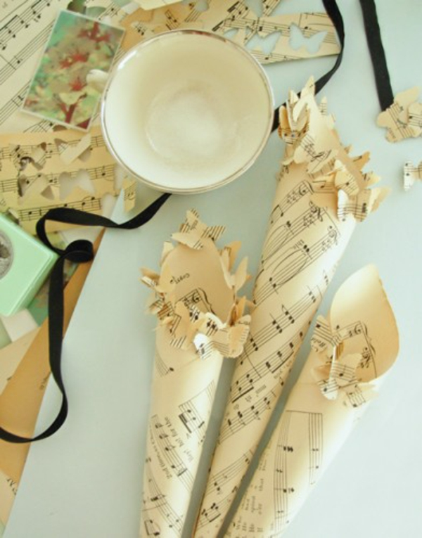paper weddings deco music notes