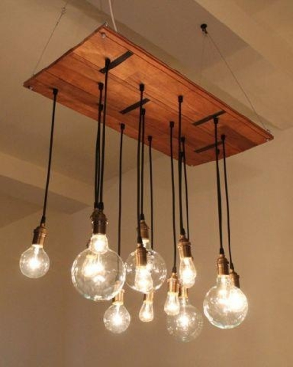 Chandeliers from Euro pallets light bulbs