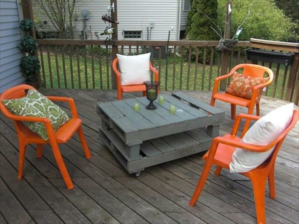 DIY tables made of europallets coffee table gray plates