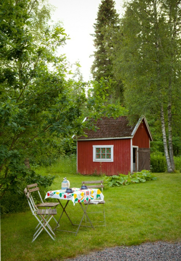 Garden house in swedish style folding chairs