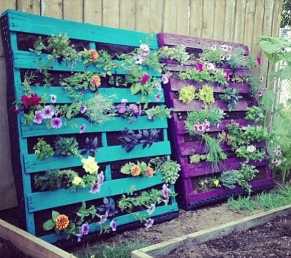 Garden furniture made of pallets green ideas plant container