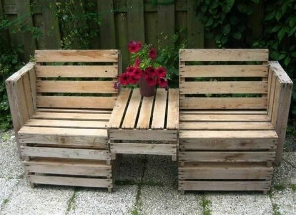 Garden furniture made of europallet armchair with table