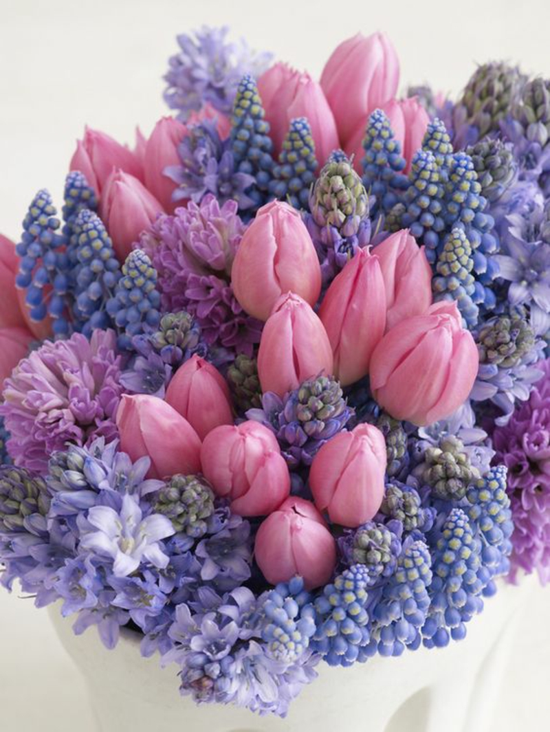 Bouquet of decoration ideas with spring flowers pictures