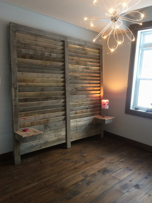 Furniture decoration Euro pallets empty room wall