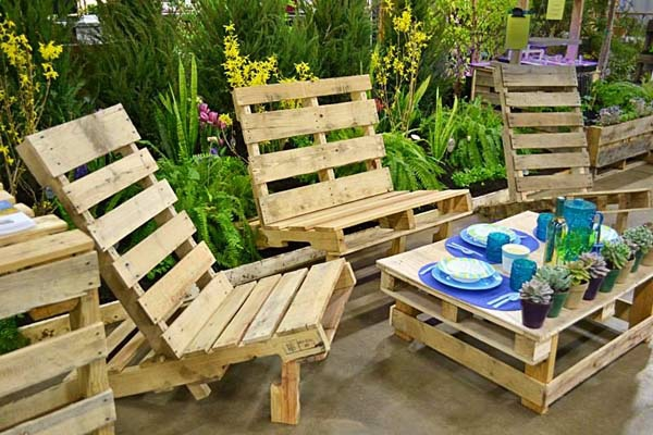 Furniture living room table Euro pallets are without lacquer