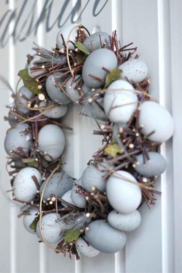 Easter decoration rustic table decoration ideas Easter wreath itself make Easter eggs