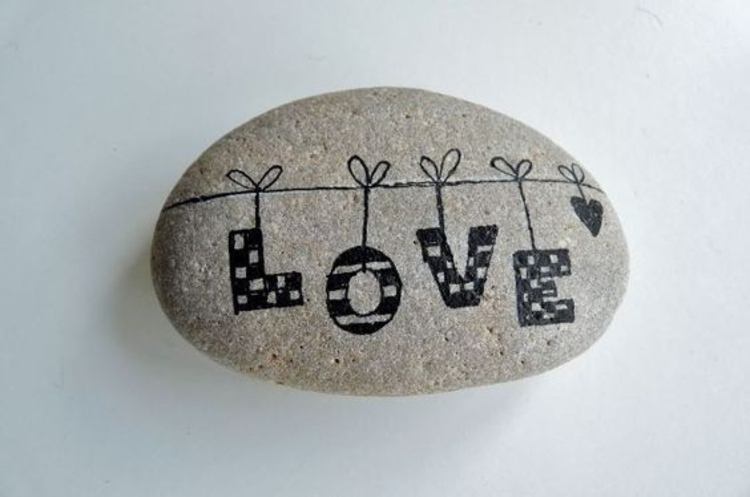 Paint stones Declaration of love make painted stones