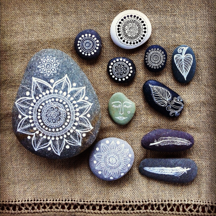 Stones painted mandala painted stones DIY ideas
