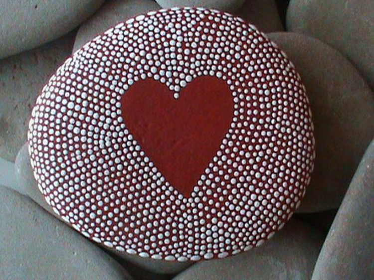 Stones painted dot pattern red heart crafting with stones