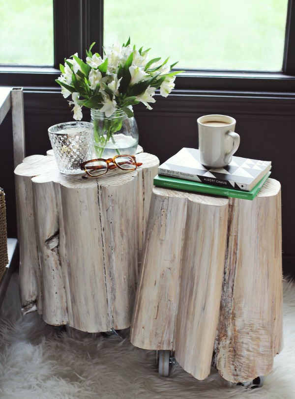 Table made of tree trunk tablecloths