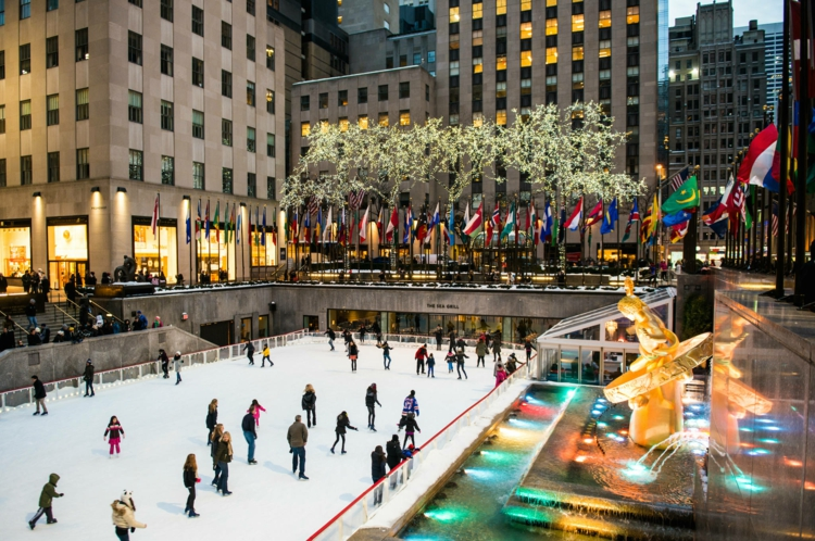Jul i New York Sevärdheter Rockefeller Center Skridskoåkning