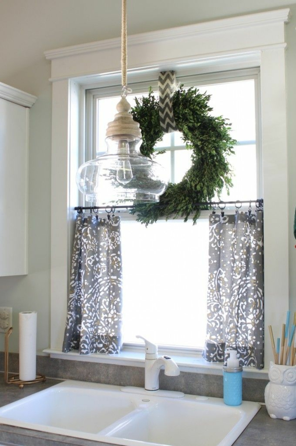 craft ideas for window decoration Christmas decoration wreath