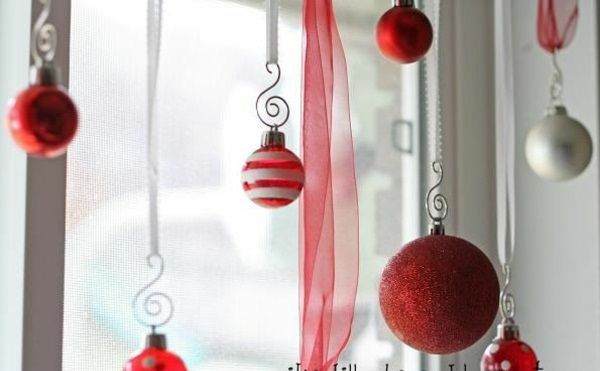 crafting ideas window christmas decoration red ball