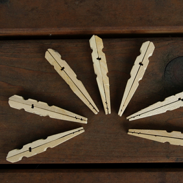 tinker with clothespins instruction wood