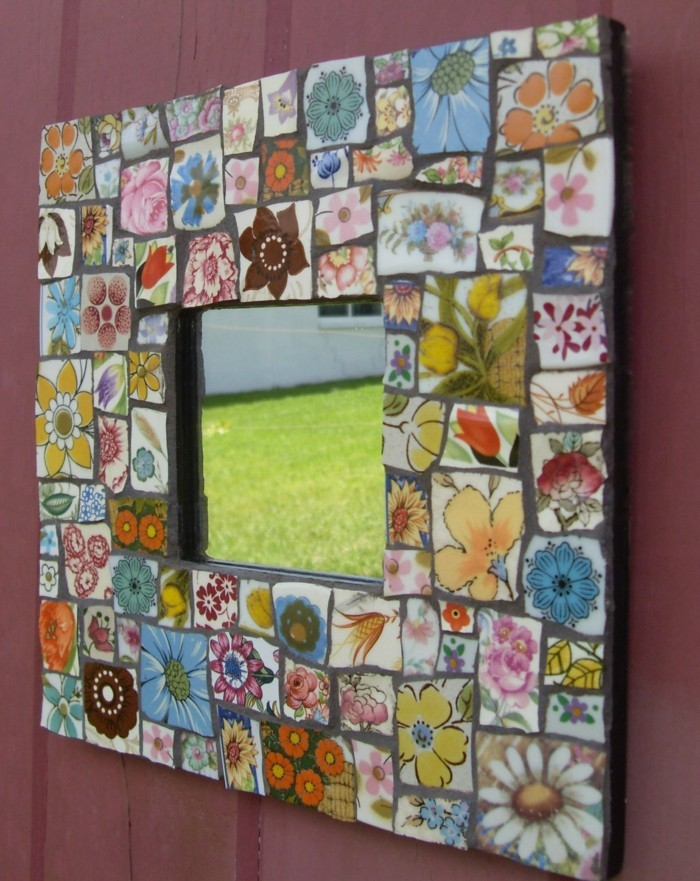 deco-ideas-make-yourself mosaic tiles-color-funny-mirror frame