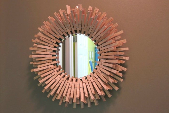 deco-ideas-make-yourself clothespins-mirror frame
