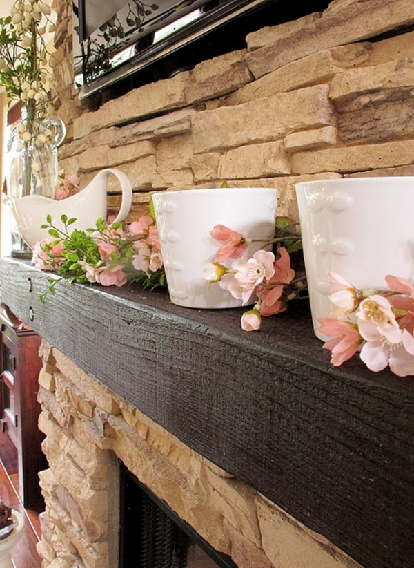 Deco Mantel Pink Flowers