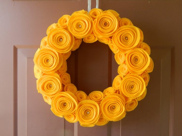 deco ideas spring decoration tinker with children wreath yellow flowers