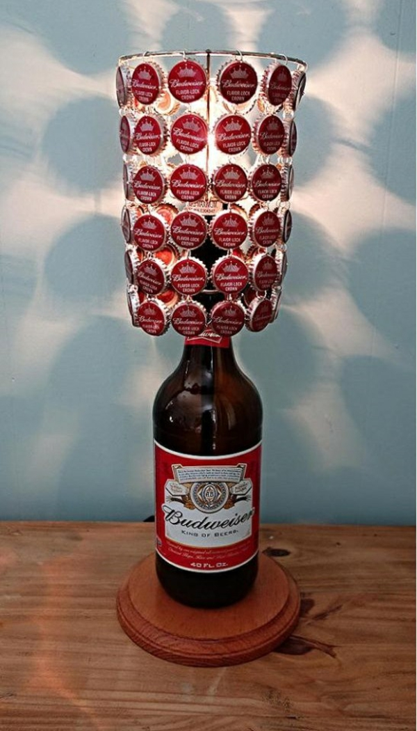 DIY lamp bottle cap table lamp