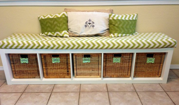 diy projects bench yourself build bin baskets throw pillow
