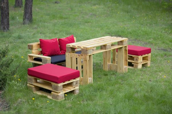 Europalette DIY garden furniture sofa stool table
