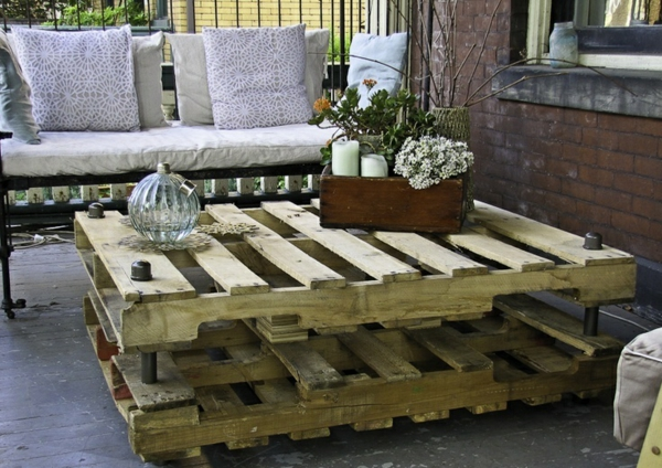 wooden pallet patio furniture coffee table storage bin