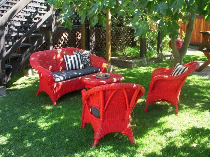 colored furniture set also ideal for the garden