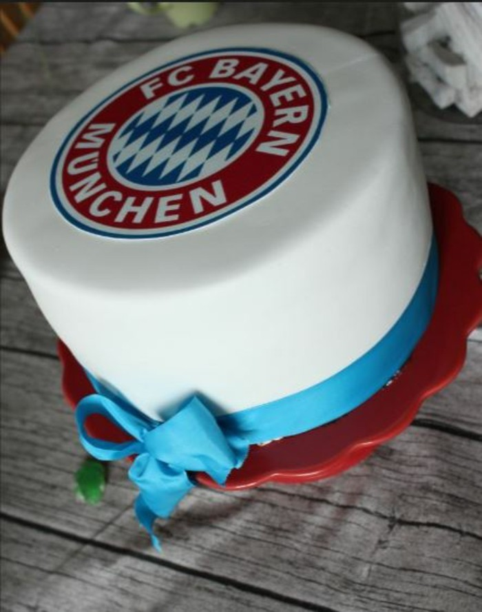 heart pies with fondant recipe pink FC Bayern