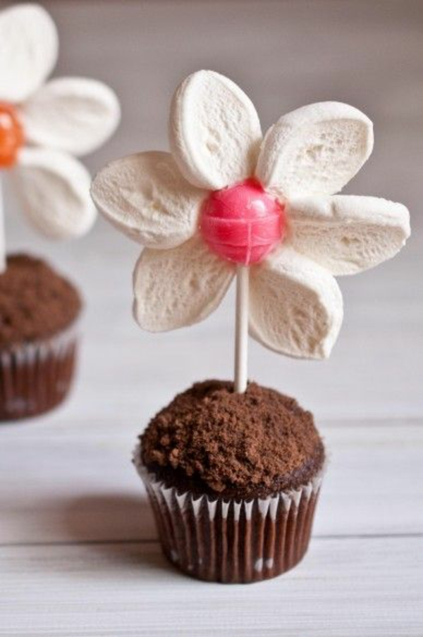 flores de primavera pequenas tartlets com lollipop flower