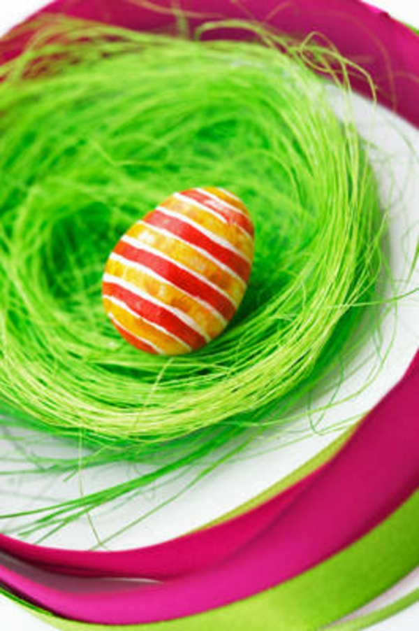 original deco ideas for easter striped colorful egg