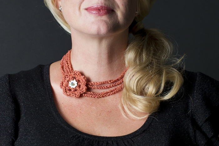 crochet ideas elegante collar flor