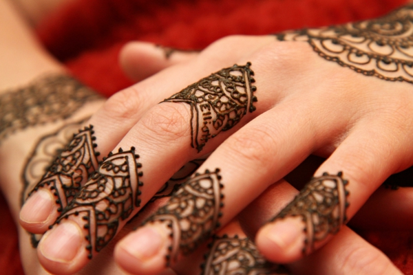 henna pattern hands decoration tendril indian