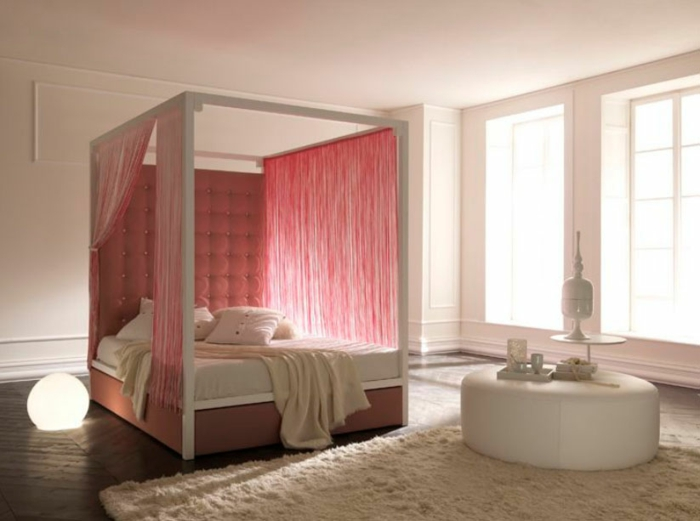 Curtain sky bed gold red