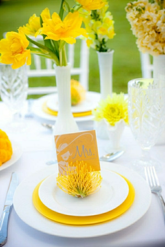 wedding flowers yellow wildflowers table decoration