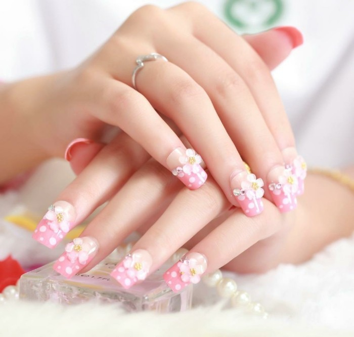 wedding nails ideas white nails flowers motif