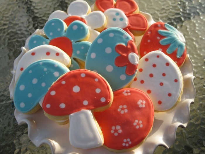 biscuits decorate beautiful shapes easter eggs mushrooms