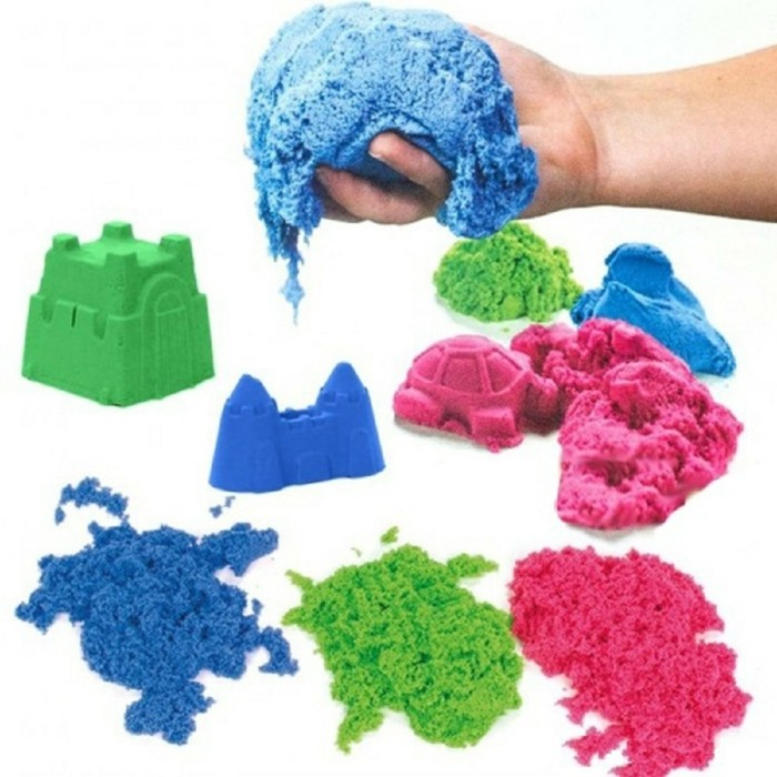children's games with kinetic sand