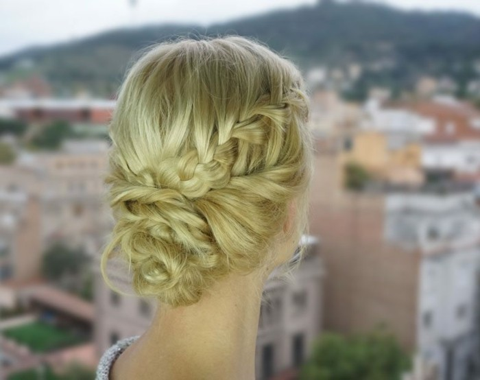 loose-plug hairstyles-yourself-make-dutt-of-pigtails