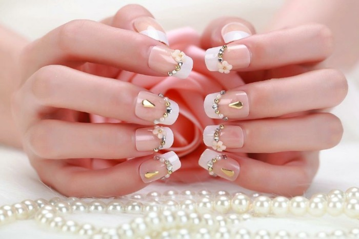 nail design pearls silver gold white nail polish flowers