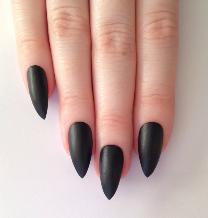 nail design black manicure beauty lifestyle