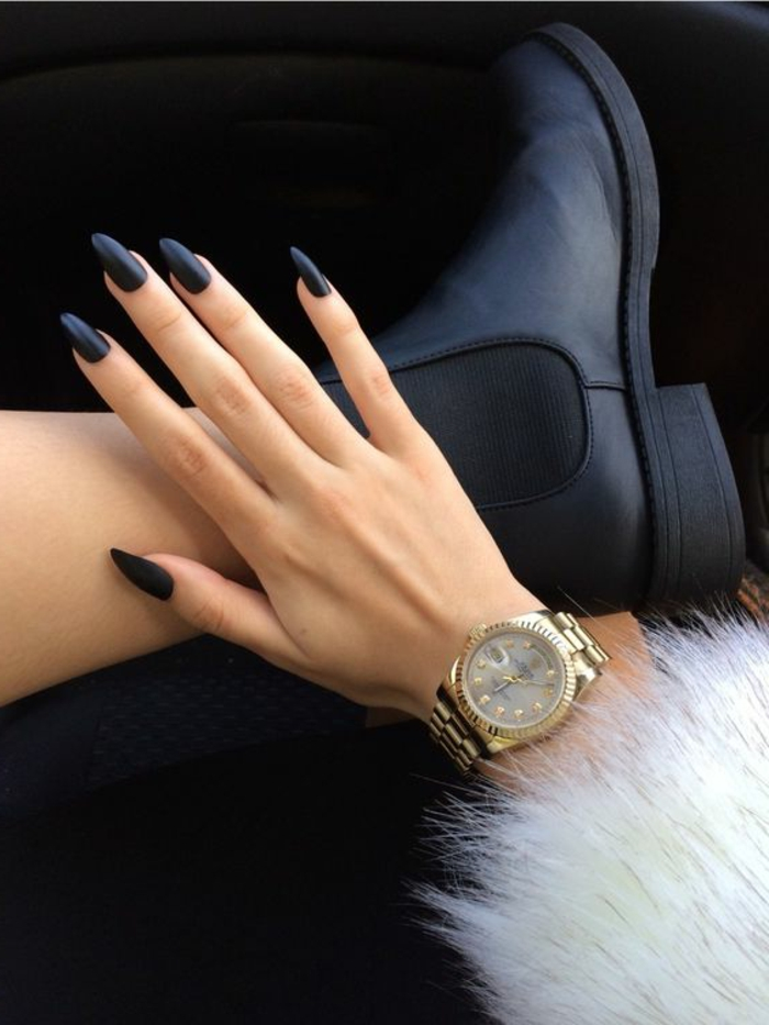 nail design black matt elegant nail trends