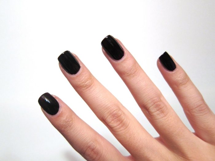 nail polish ideas black elegant