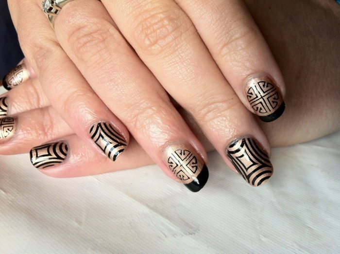 nail polish ideas black gold combination pattern