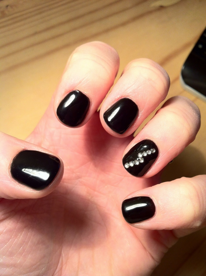 nail polish ideas black nail trends