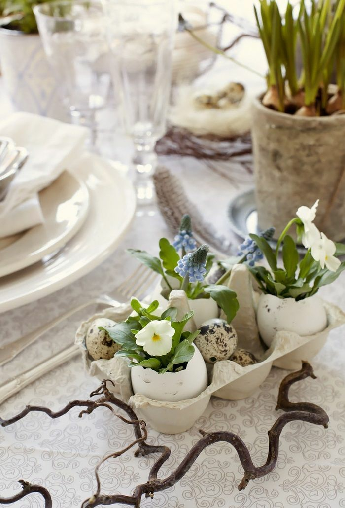easter decoration tinker ideas table decoration make yourself quail eggs eggshells violets wine branches